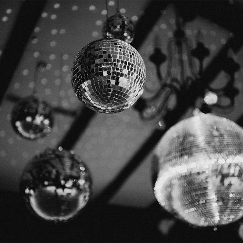 Deco discoballen voor de ultieme dansvloer
